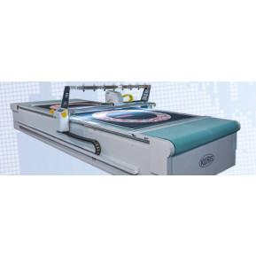 Автоматична одношарова розкрійна машина Kuris TC3001C для килимів з малюнком